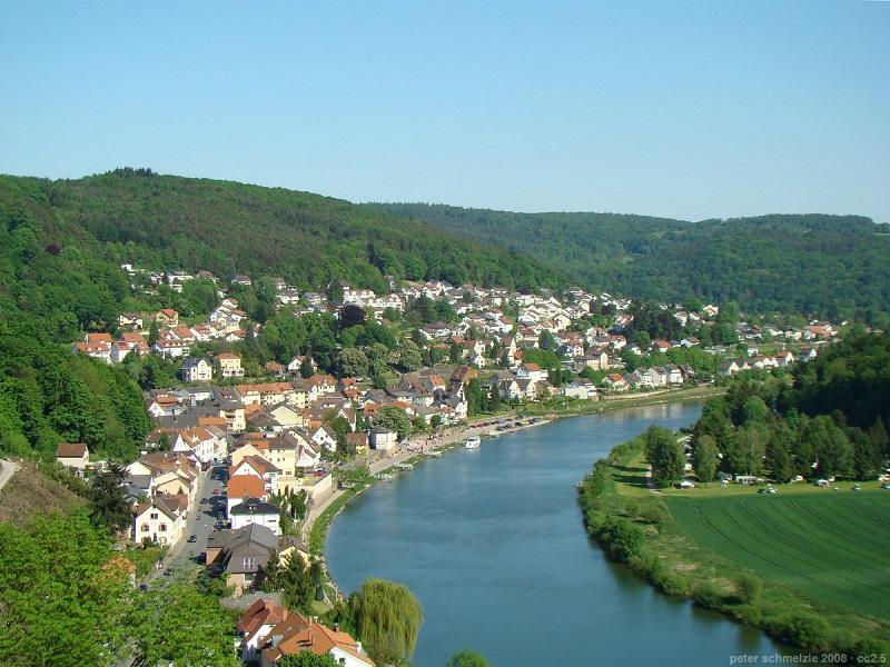 Bildquelle: http://de.wikipedia.org/wiki/Neckarsteinach#/media/File:Neckarsteinach-2008.jpg | Fotograf: Lomita